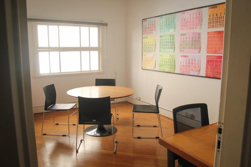 Casa de Jasmin Pequena sala de reunião