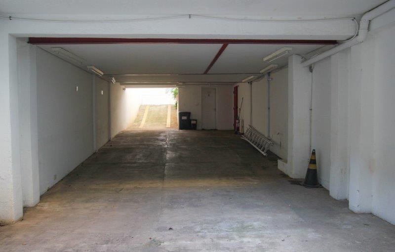 Casa de Jasmin - garagem para 5 carros
