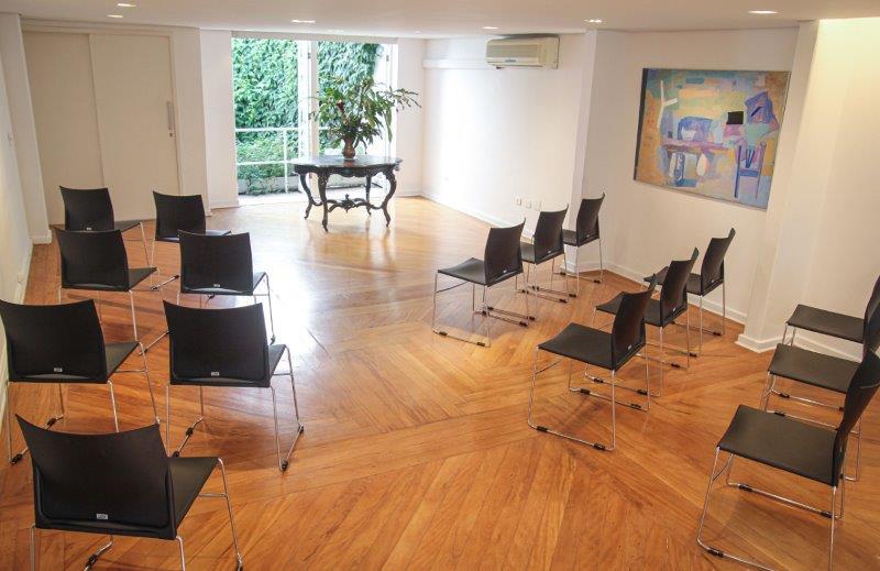 Sala para pequenos eventos