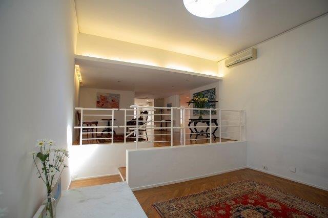 Ainda no estilo lounge, com Espaço entre Salas ao fundo