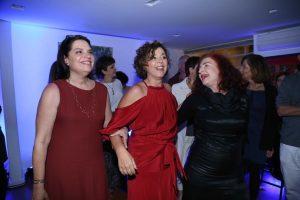 Na foto Bibia, Sofia e Silvia Comemorando aniversário de 60 anos.